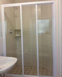 Framed showers tri doors